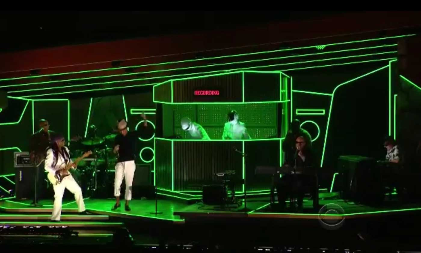 Grammys-Stage-Highlighted-Color-Changing-LED-Neon-Lighting