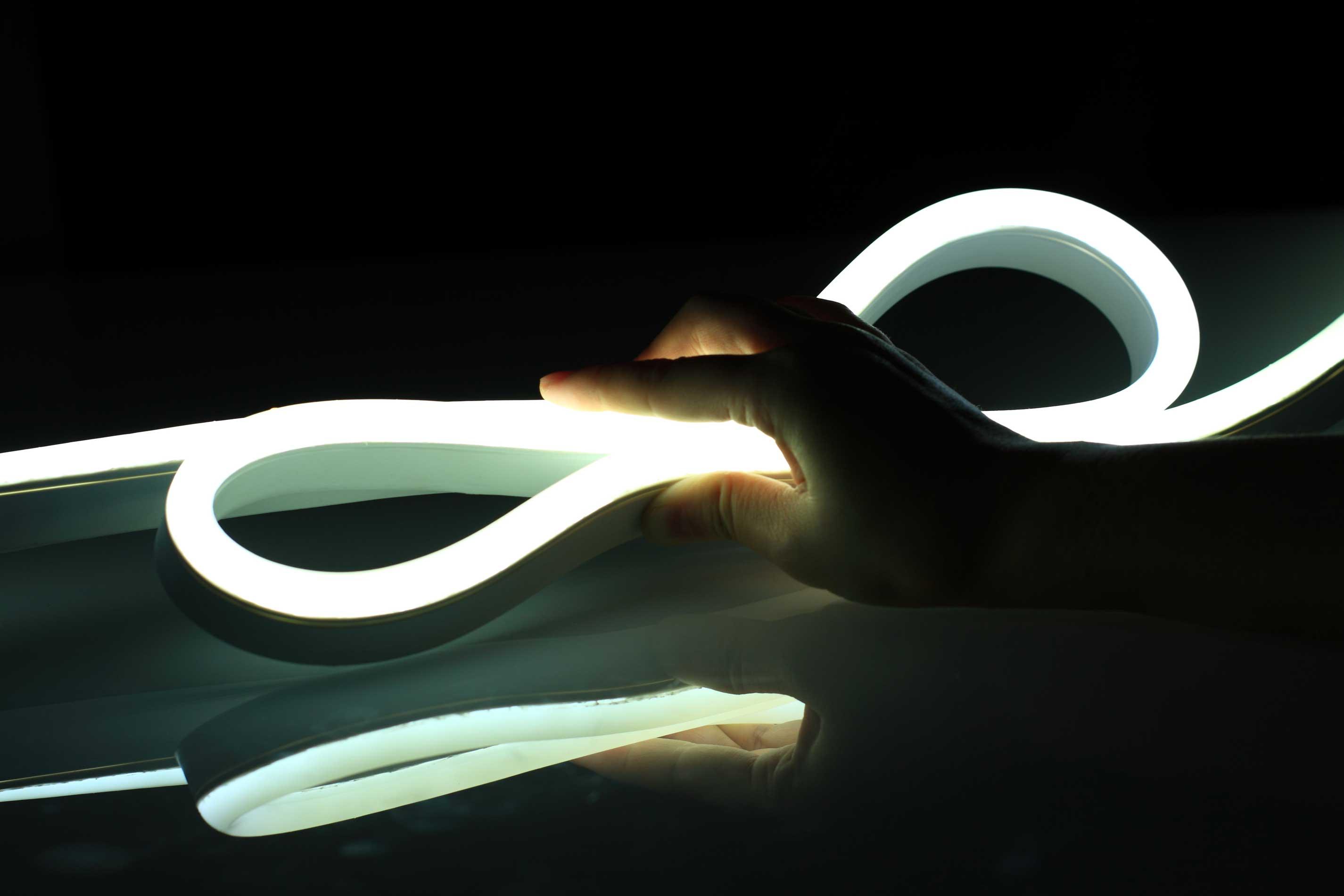 Vivid-S-270-Flexible-Neon
